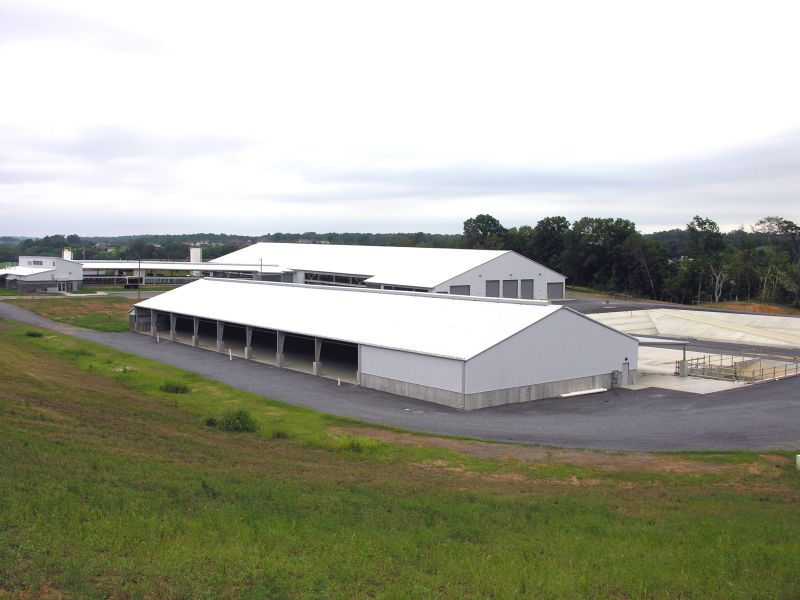 Milking barn and solids separation building on the LIttle River Unit
